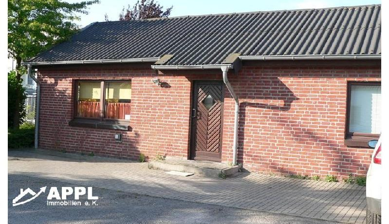 Büro und Pförtnerhaus