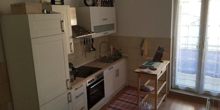 Einbauküche kann vom Mieter erworben werden.